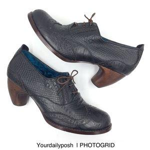Irregular Choice black leather lace-up pumps 9/40